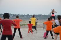 Abendliche Fitness am Mekong