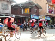 Schulschluss in Vang Vieng